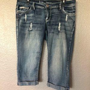 Cute distressed Capri jeans Size 11/12 $12